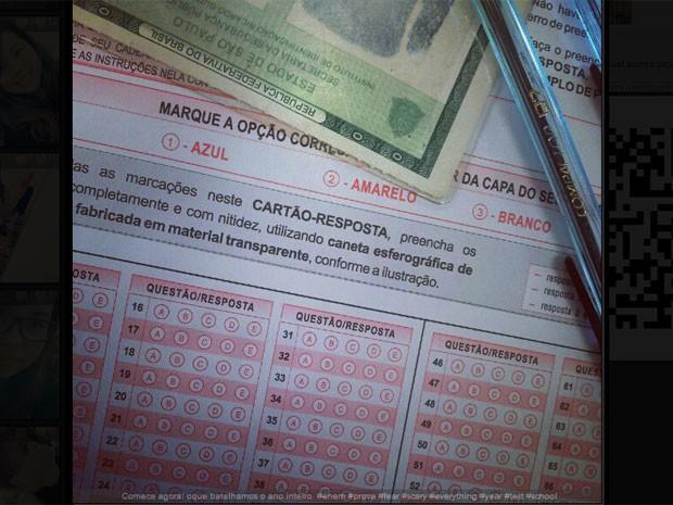 Foto da prova do 1° dia do ENEM 2012 publicada por estudante