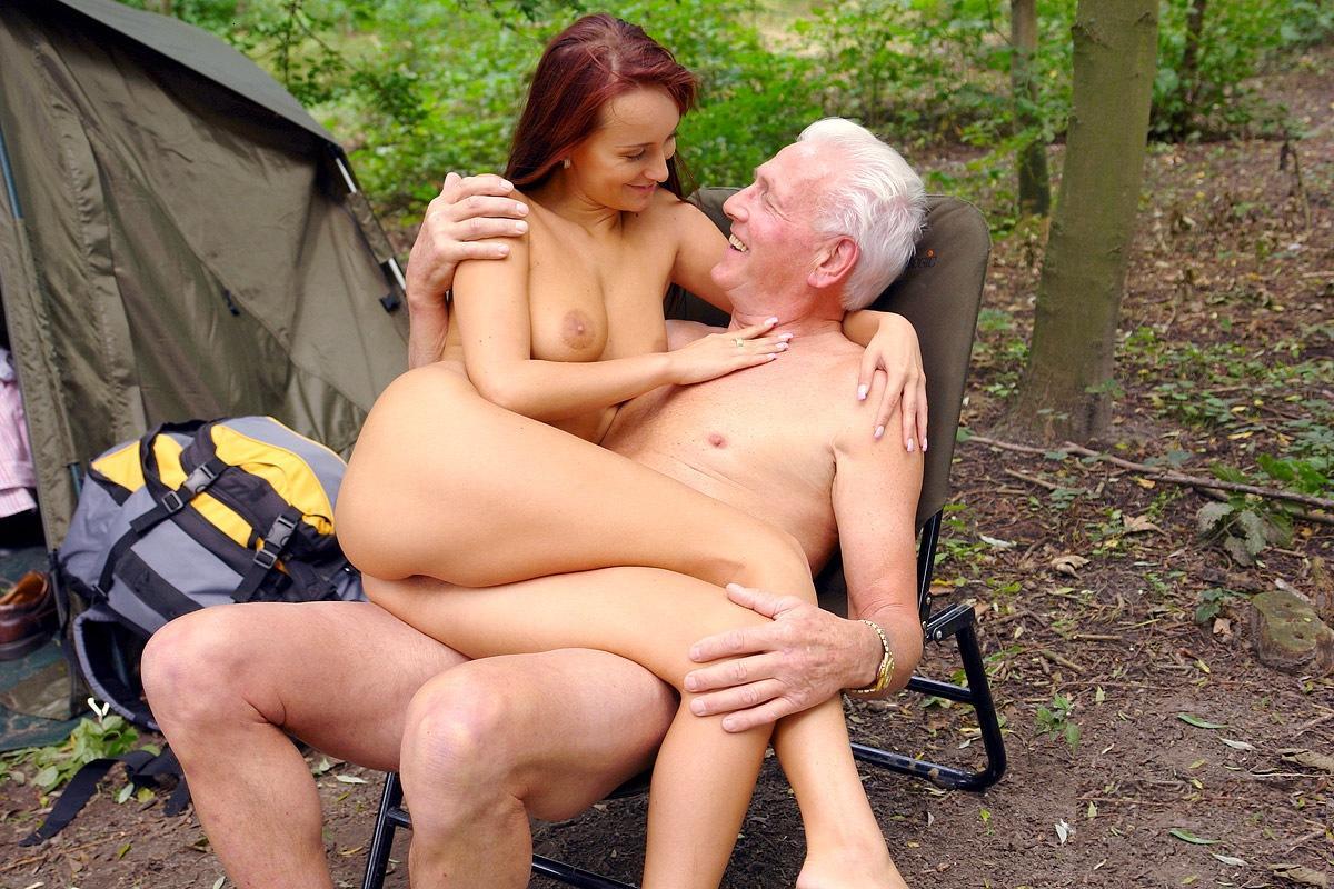 Секс с стариком порно жизнях ищущих