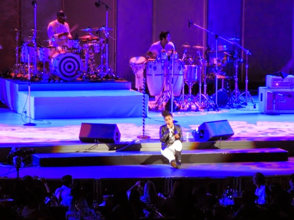 Janelle Monáe sings Hollywood Bowl June 2014