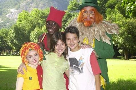 A atriz Lara Rodrigues, que fez sucesso como Narizinho no Sítio do Picapau Amarelo estará numa peça infantil e numa série da TV