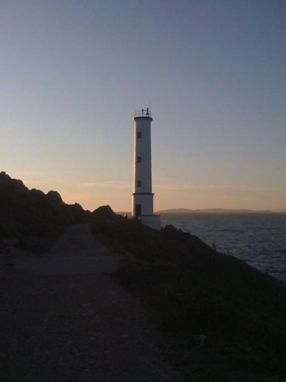 HISTORIAS Y FOTOS DE FAROS: El Faro de Cabo de Home en Pontevedra (España)