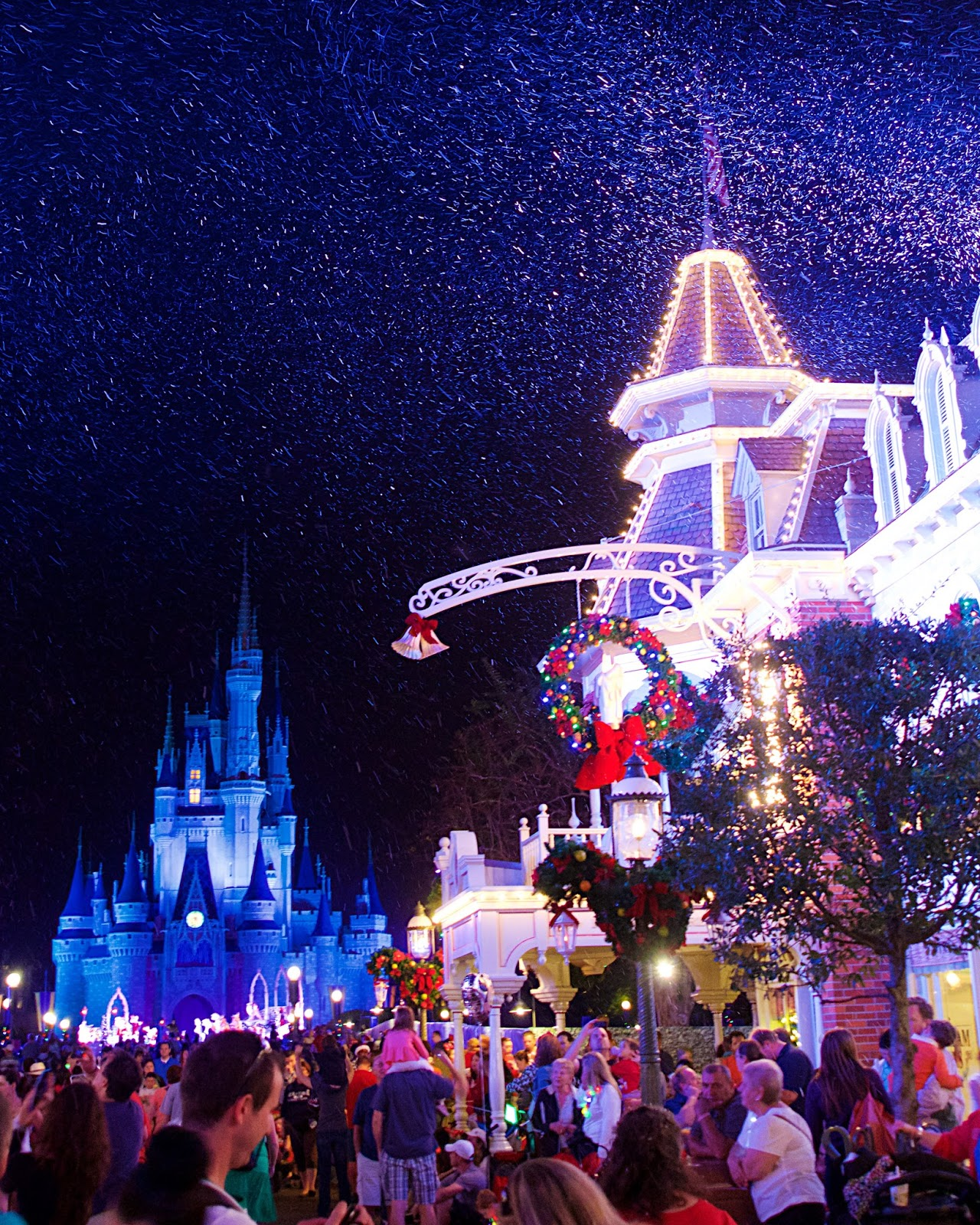 Disney S Very Merry Christmas Party Tickets: Where To Eat & Mickey's Very Merry