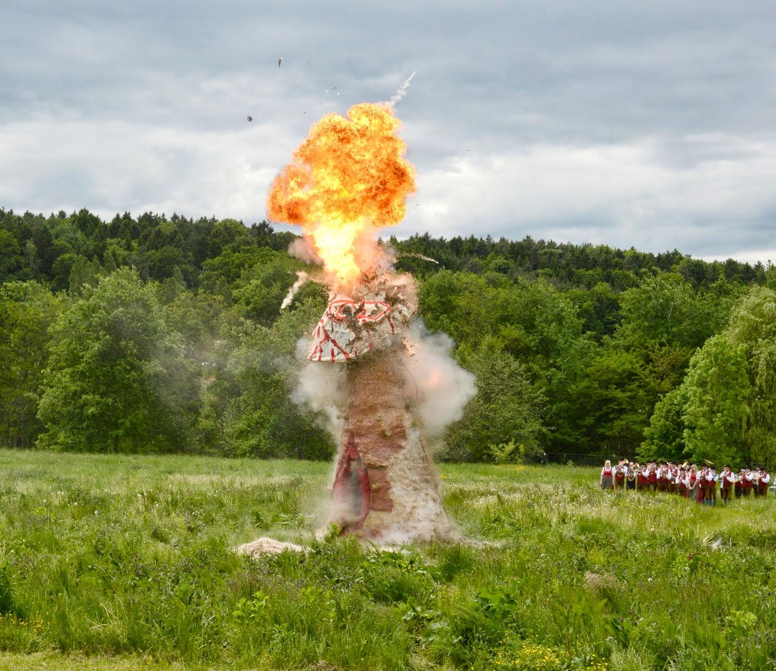 Detonating Gaia #05//12