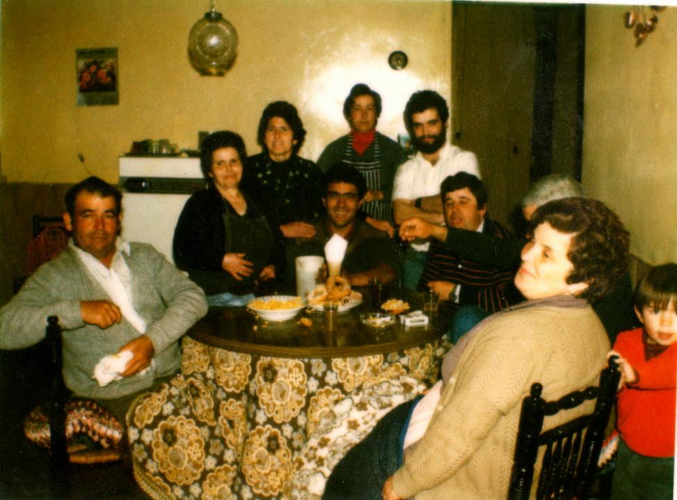 Cilleros ni m s ni menos en la mesa camilla - La mesa camilla ...
