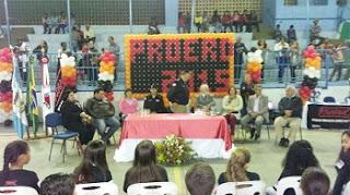 Programa Educacional de Resistência às Drogas ( Proerd )