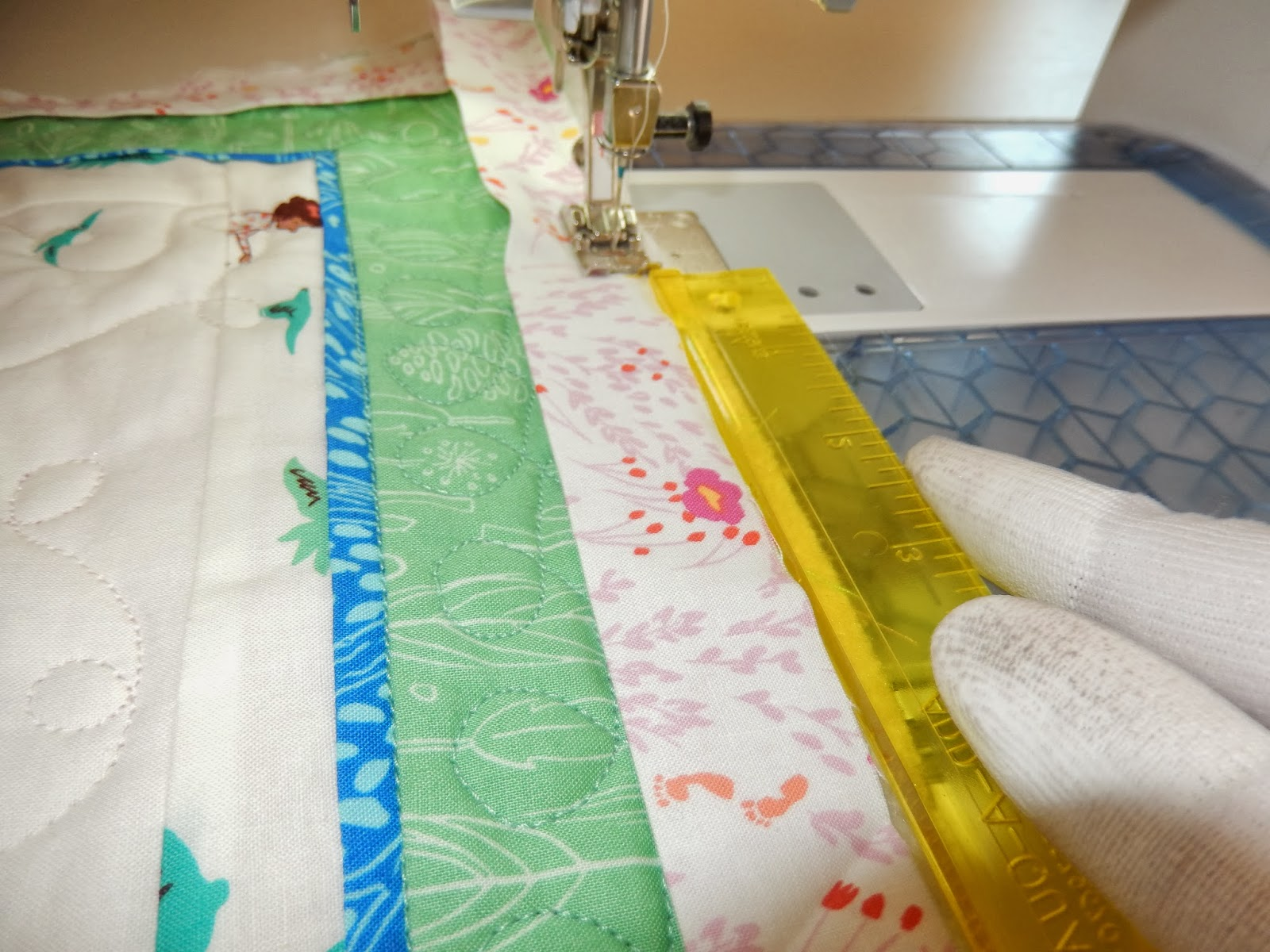 quilting white up close quilt picture texture free batting photograph