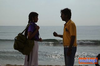 Theriyama-Unnai-Kadhalichitten-Movie-Stills