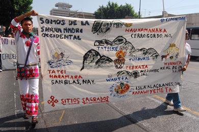 Huicholes protesting in Guadalajara