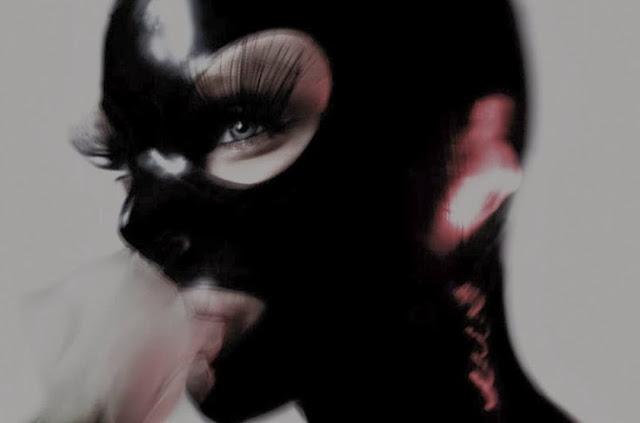 Fetish Inspirations : Black Rubber Mask