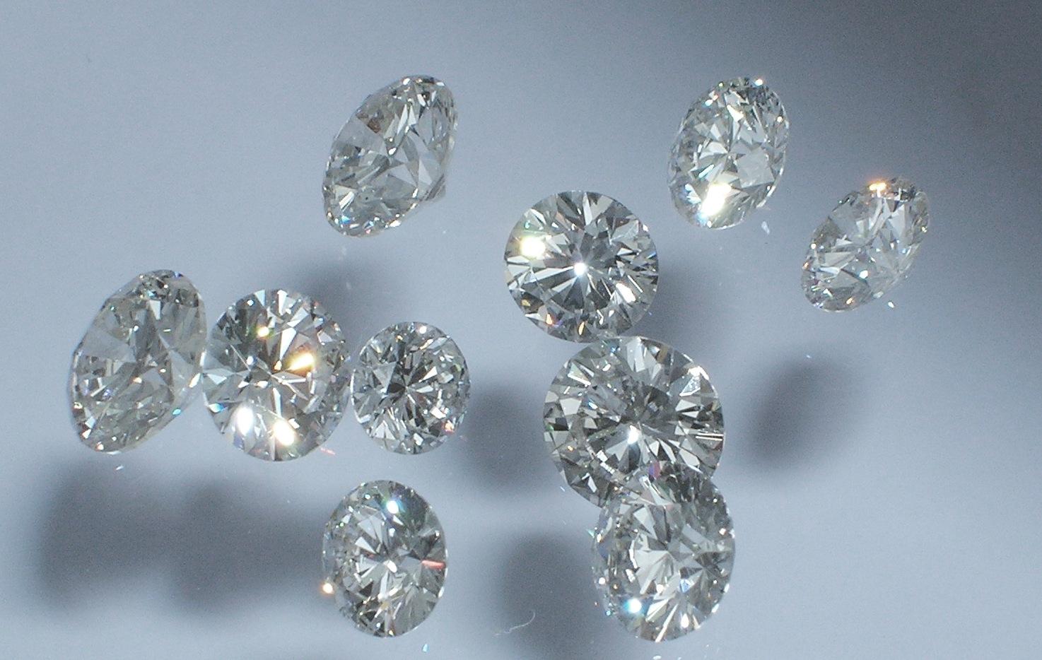 http://3.bp.blogspot.com/-oiDeRMUJzWc/Tz1LIwjmxiI/AAAAAAAAI0c/p2l7l3mVIgc/s1600/Diamonds+Wallpapers.jpg