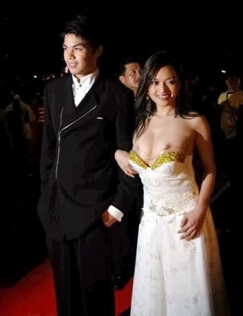 JS Prom Gown Scandal