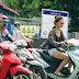 Đeo sử dụng tai nghe khi đi xe máy có vi phạm luật không ?