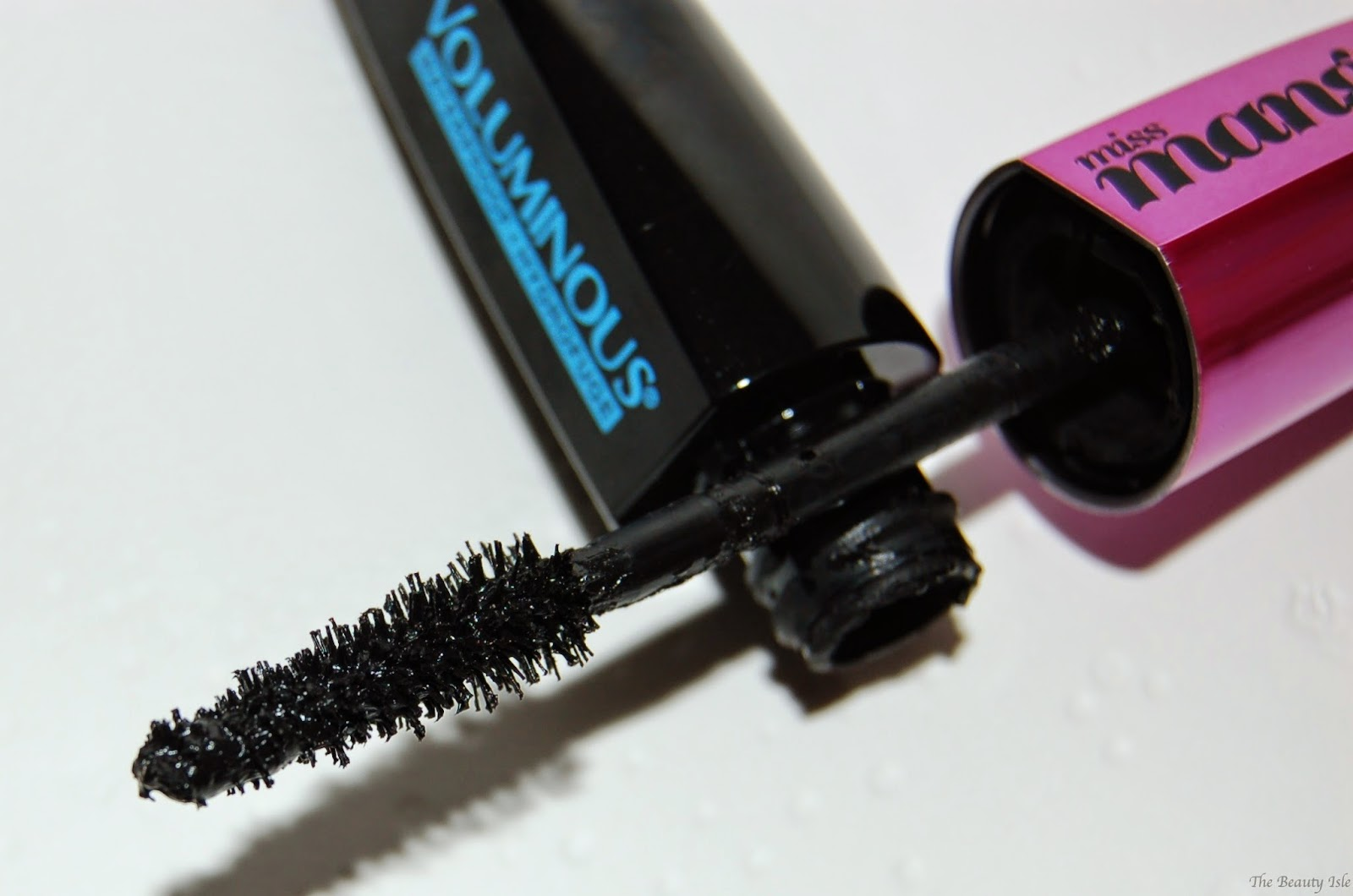 L'Oreal Voluminous Miss Manga Mascara