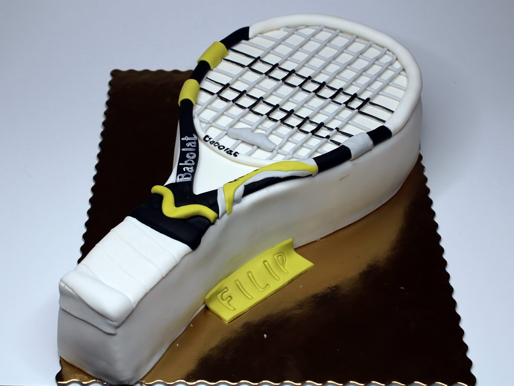 London Patisserie Tennis Cake London