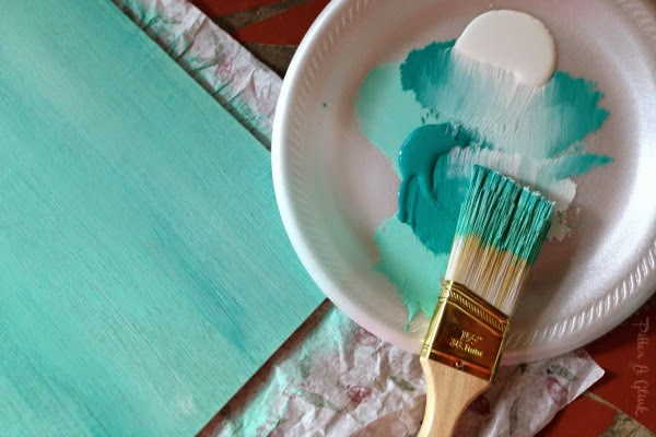 Create a unique paint finish on a piece of plywood for the perfect DIY #photography backdrop! PitterandGlink.com
