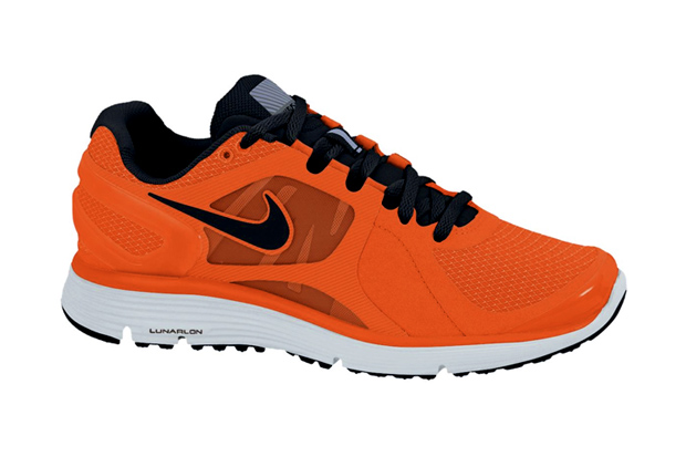 """98235e29c6b Nike is back with another Shield pack of running footwear for the winter  season. The """"Bright Crimson"""" pack consists of the Nike LunarEclipse+ 2"""