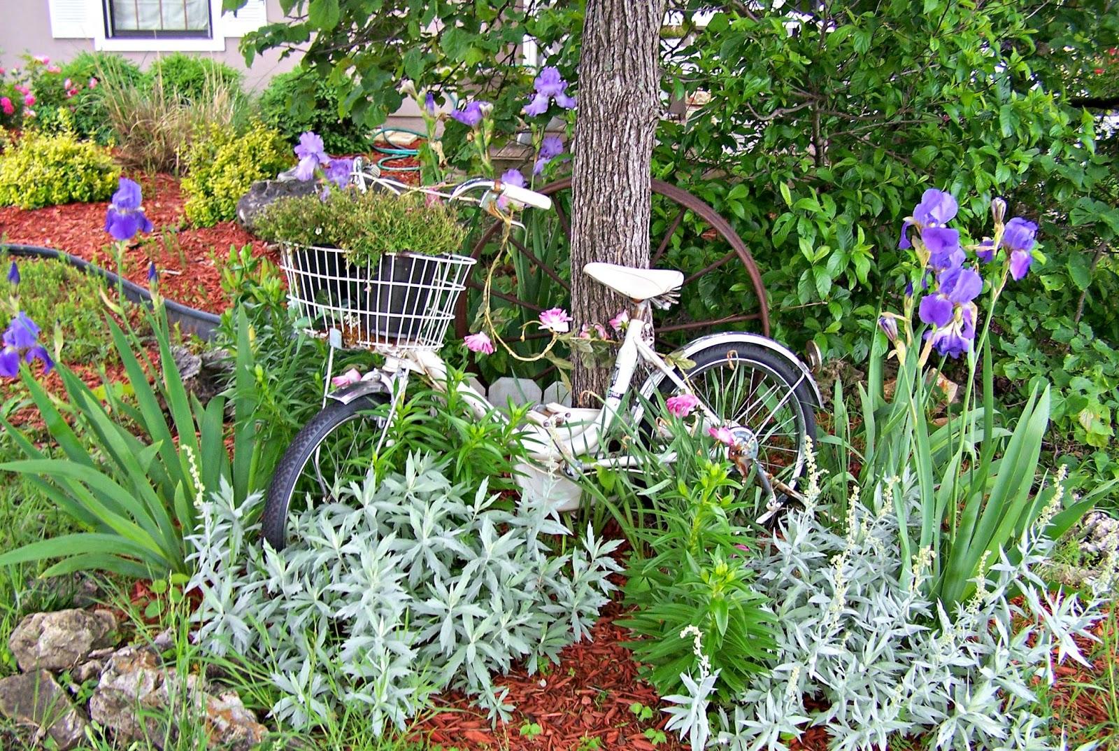 Olivia\'s Romantic Home: Shabby Chic Rose Garden