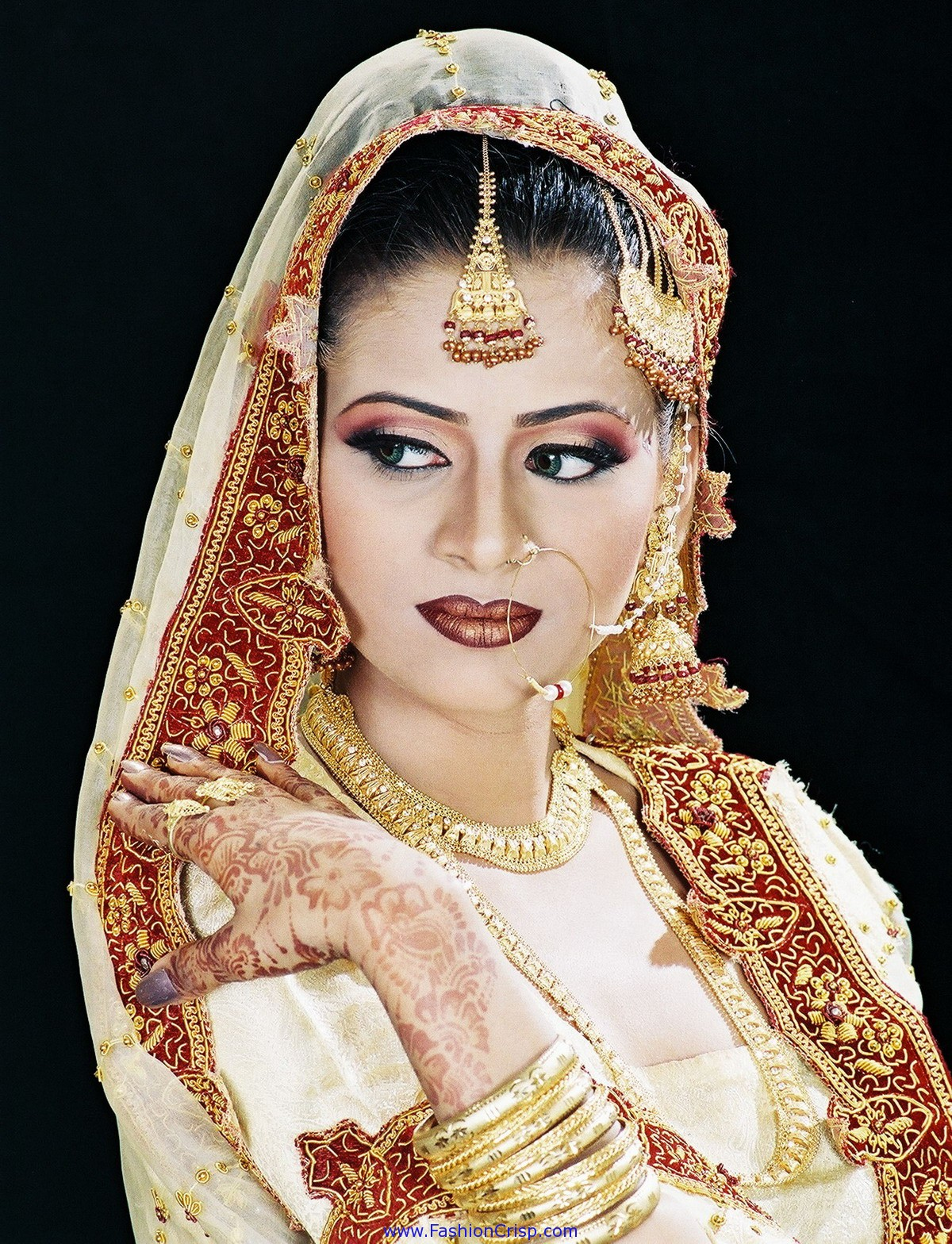 Farhana Jewellery Collection World March 2013 1 Set Perhiasan India Every Bride Dreams Of Her Wedding Day And Wants To Be At Best Appearance That Bridal Makeup Is Very Important Ceremony For