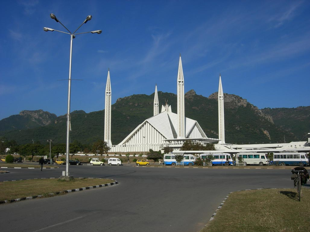 http://3.bp.blogspot.com/-oitwoFaD2U4/UP_o-AE03xI/AAAAAAAACw0/H86sD6sGIwM/s1600/Faisal+Masjid+New+Wallpapers+%25285%2529.jpg