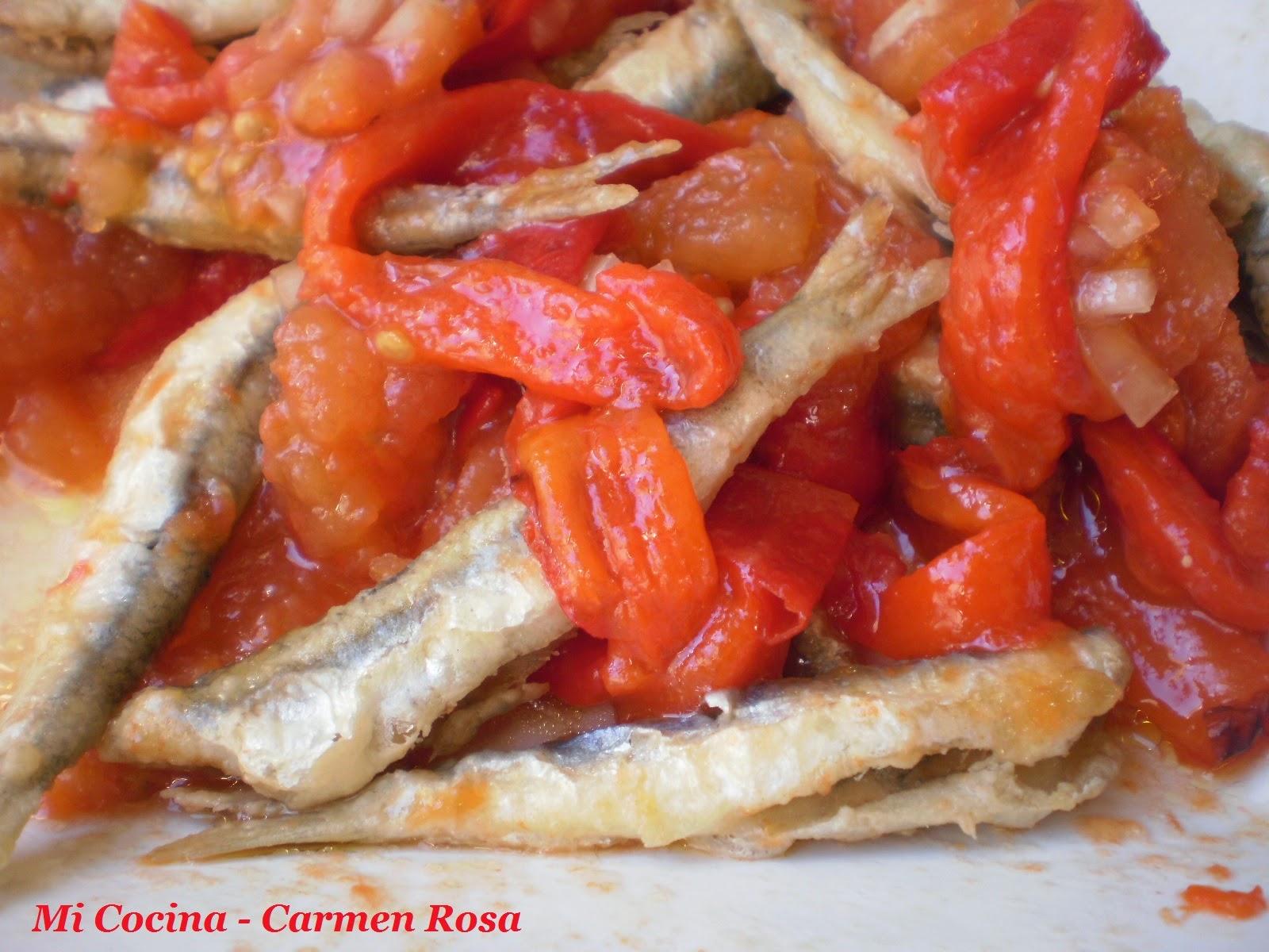 Ensaladilla Malagueña De Tomates Y Pimientos Asados Con Pescado Frito