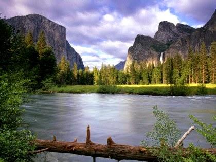 Alloh Sebagai Pencipta, Pemberi Rezeki dan Pengatur Alam Semesta