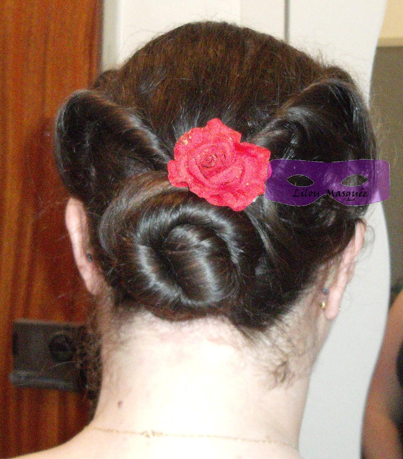 http://3.bp.blogspot.com/-ojFTfetFE5A/Tw6ulfUDlCI/AAAAAAAAAbk/Go0pcHa6KCE/s1600/Chignon+style+pin+up+ann%25C3%25A9es+40+hairdo+updo+Dutt+tuto+tutoriel+tutorial+1001+coiffures+1.JPG