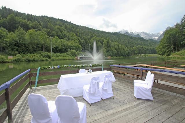 Hochzeit auf dem Riessersee-Floß