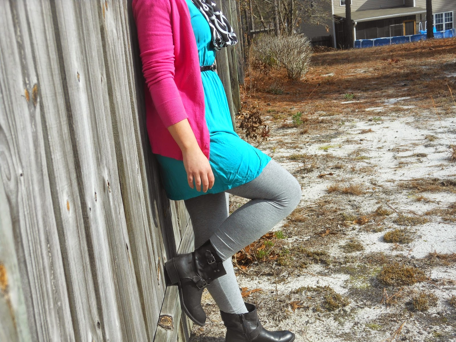 How to Wear a Dress in Winter || 04. Teal tunic dress, grey leggings, pink cardigan, black ankle boots, black and white monogrammed scarf, black belt