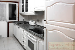 Piso de cuatro dormitorios en la calle Antonio Ríos, exterior, garaje. 220.000€