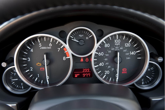 2011 Mazda MX-5 gauge cluster closeup