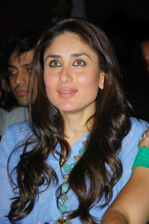 Kareena Kapoor looking very hot