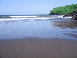 Keindahan pantai Grajagan banyuwangi