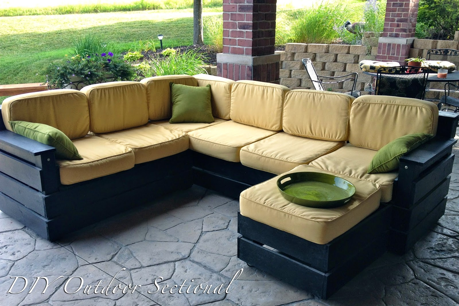 Diy why spend more diy outdoor sectional for Outdoor sofa plans