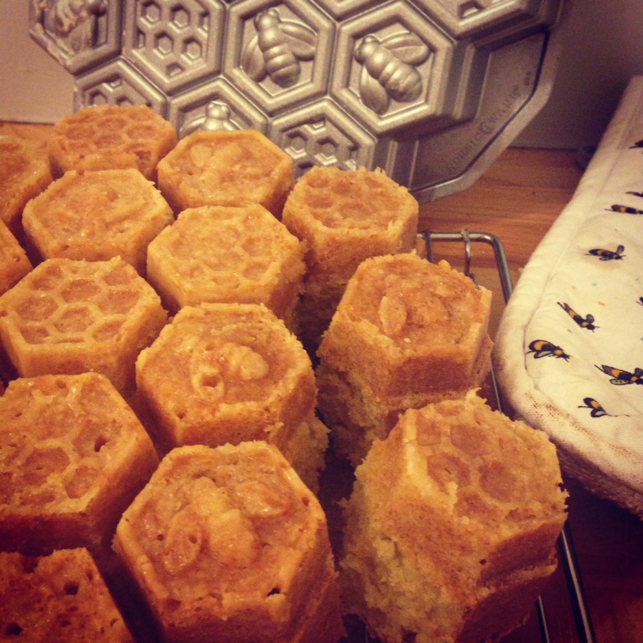 Tanya Weaver's Honeycomb Cake Pan