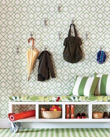 Cool spaces in donosti diy storage bench banco con for Asiento con almacenaje