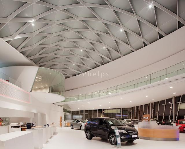 Toyota, Salzburg - Arch. Volkmar Burgstaller - Foto Andrew Phelps