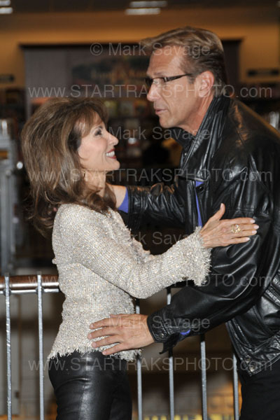 Photos From Susan Lucci's La Lucci Booksigning