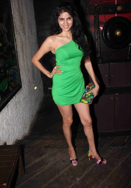Bollywood Masala Actress  Celebrities at IPhone  Launch Party hot images