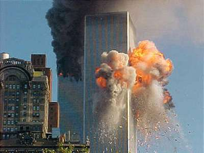 http://3.bp.blogspot.com/-olYoiLWbIeY/TaOIsZ_086I/AAAAAAAAADU/lljgfJaLgO8/s1600/9-11-plane-crash-twin-towers-new-york-2.jpg