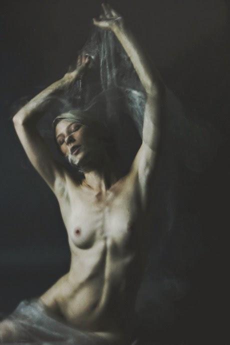 femme nue photographie josephine cardin vogue magazine mannequin