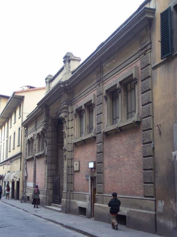 limmobile dei bagni pubblici di propriet del comune di firenze fu costruito nei primi del novecento