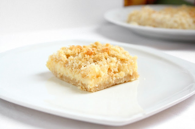 collecting memories: Creamy Lemon Crumb Squares