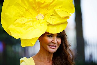 Chapéus extravagentes nas corridas de cavalos  Ascot 2015