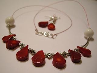 biżuteria z półfabrykatów - koralowe łezki (komplet)