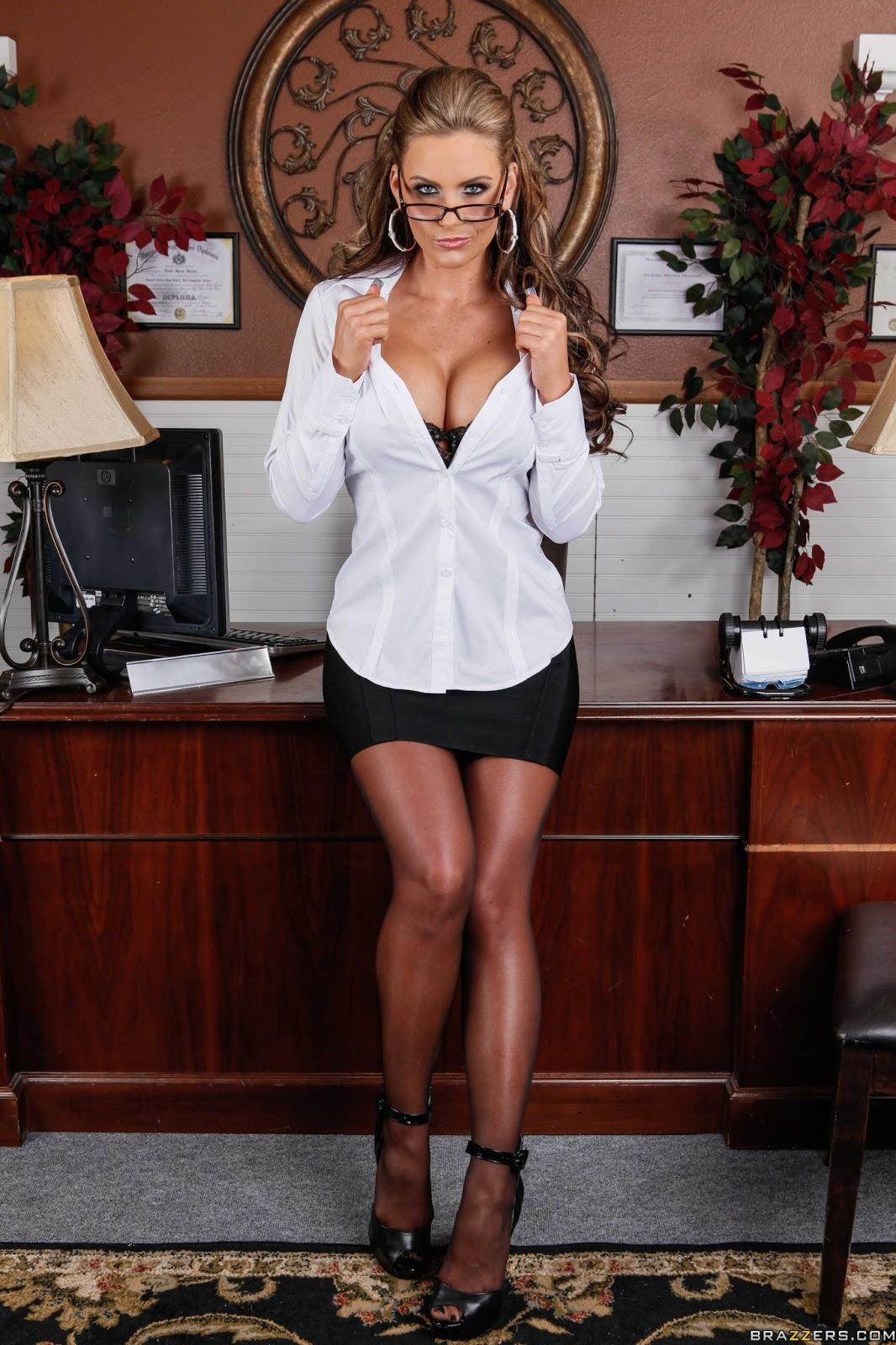 Секс в блузках 12 фотография