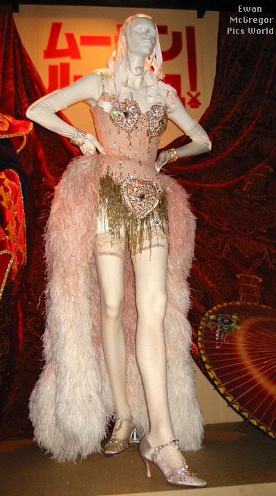 ashlee 39 s costume closet moulin rouge pink diamonds. Black Bedroom Furniture Sets. Home Design Ideas