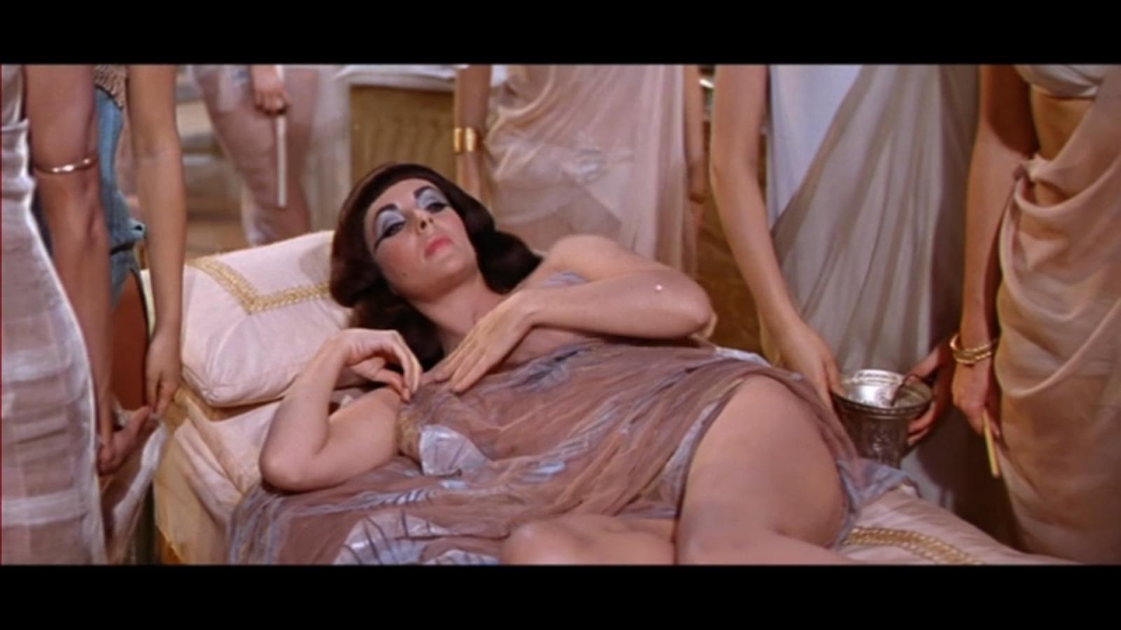 Cleopatra (Elizabeth Taylor)