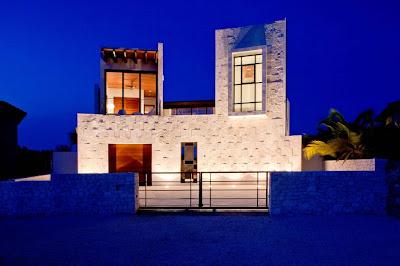 Дом на острове в Карибском море