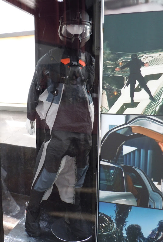 Skydiving costume Transformers Dark of the Moon