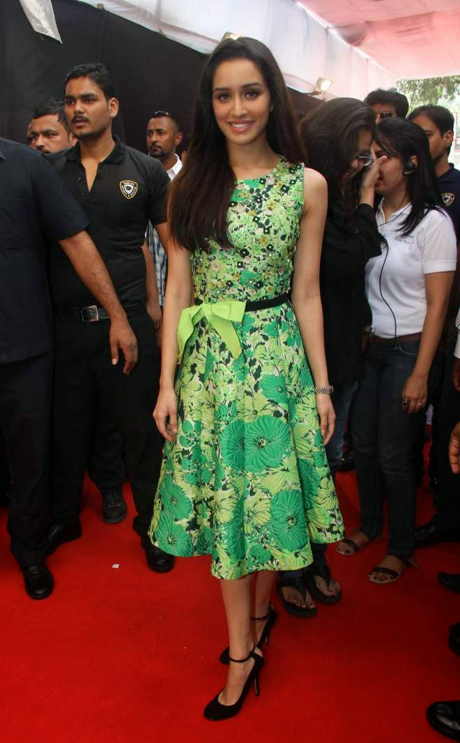 Shraddha Kapoor Looking Hot in Sexy Green Short Slevless Frocks Dresses